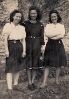 The daughters Denise, Huberte & Gisèle, about 1947
